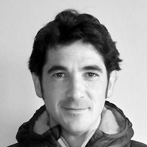 Instructor Victor Sahún